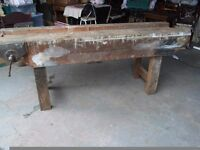 LARGE VINTAGE JOINERS / CARPENTERS BENCH WITH VICE