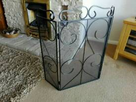 Cast iron folding fire guard screen