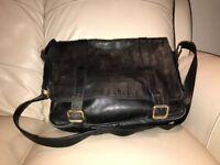 Mens black leather JAEGER 125 shoulder bag