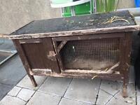 Free guinea pig/rabbit hutch