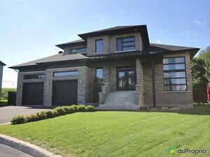 685 000$ - Maison 2 étages à vendre à St-Luc