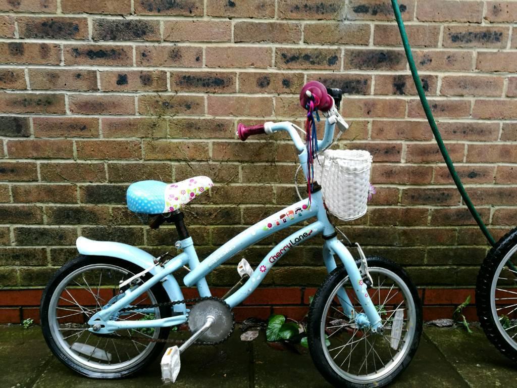 Little girls beach cruiser style bike