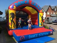 Bouncy Castle 12 x 15 with roof in excellent condition (Private Use)