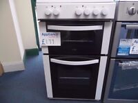 EX-DISPLAY LOGIK 50 CM WIDE WHITE CERAMIC TOP COOKER REF: 31271