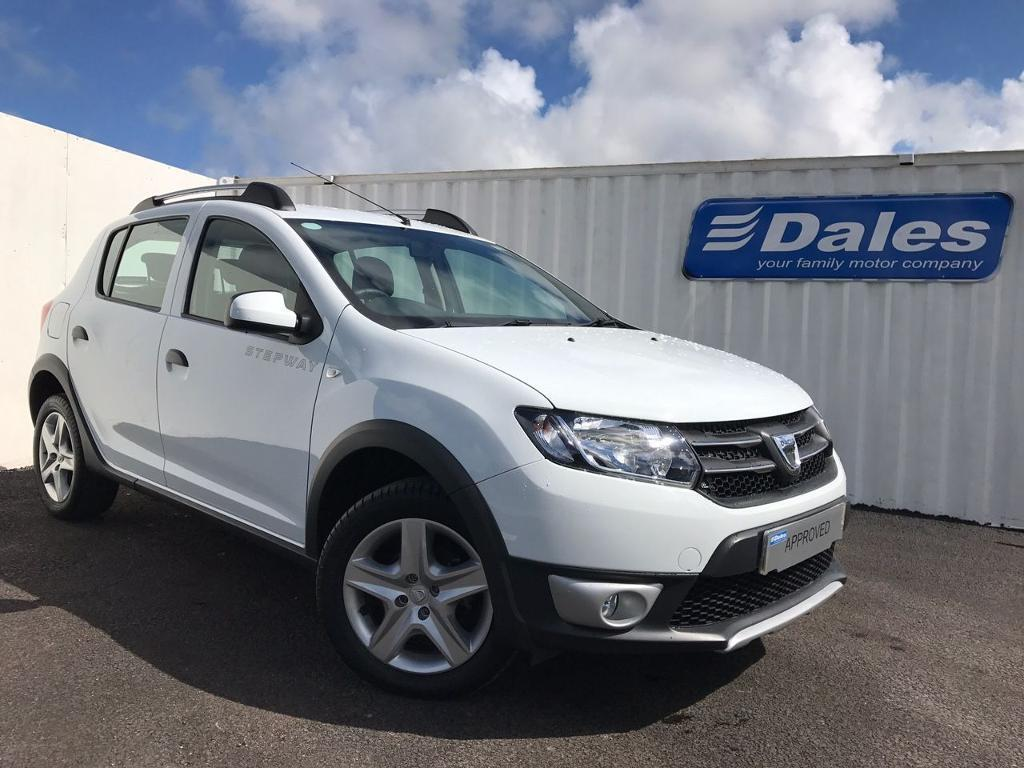 dacia sandero stepway laureate1 5 dci 90 diesel glacier white 2015 in redruth cornwall. Black Bedroom Furniture Sets. Home Design Ideas