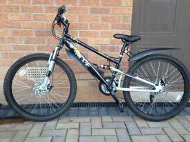Halfords Apollo Ridge Boys Mountain Bike. Age 8+. Very good condition.