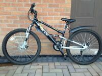 Halfords Apollo Ridge Boys Mountain Bike. Age 8+. Very good condition.