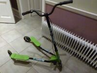 Y Fliker/Flicker F5 scooter green and black