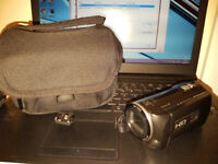Sony HDR-PJ220 Handycam Camcorder, FullHD 50p, 27x Optical Zoom, Built-in Projector