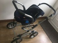 Great Condition!! 4 in 1 Silver Cross classic (sx105) pram set.