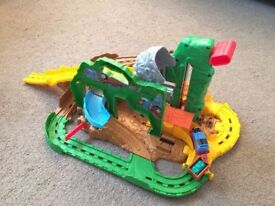 Thomas The Tank Engibe Take and Play Jungle Quest