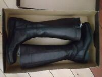Jones Leather Knee High Boots - Size 4 - Black