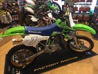 Wow wow 😳 Kawasaki kx 500 absolutely stunning machine