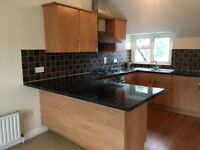 Selsdon, South Croydon - 1 double bed flat to rent. 2nd floor, close to all amenities.