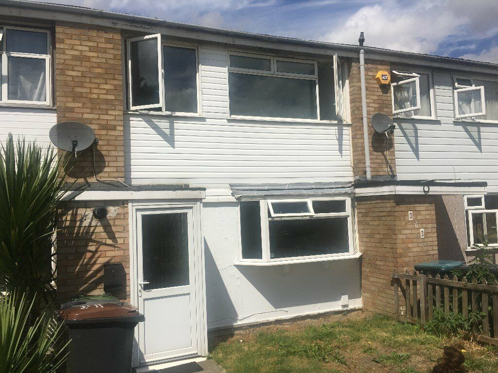 Strange 3 Bedroom House To Rent In Leagrave Luton 1 100 Pcm In Luton Bedfordshire Gumtree Download Free Architecture Designs Lukepmadebymaigaardcom