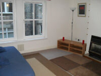 Double room in central city flat, close to Edinburgh Uni. Old College