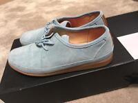 Mens light blue suede shoes size 8