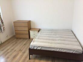 Big Double Room in Enfield Brimsdown
