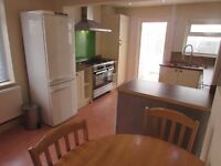 Large House 4 bedrooms, parking, conservatory, 2 bathrooms, £700 pcm