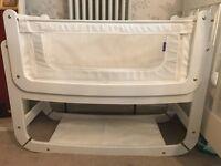 White Snooze Pod with mattress