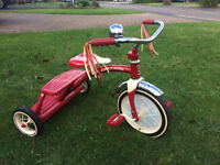 Radio Flyer 12-inch Classic Dual Deck Trike Red
