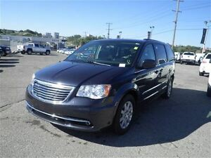 2014 Chrysler Town & Country Touring   Backup Cam   Touchscreen