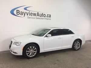 2016 Chrysler 300 C- AWD! PANOROOF! LEATHER! NAV! REMOTE START!