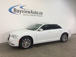 2016 Chrysler 300 - AWD! PANOROOF! LEATHER! NAV! REMOTE START!