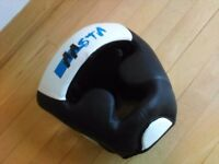 Boxing head guard Aasta