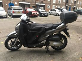 I'm selling my Scooter Honda Sh 300i recently full serviced history book Tax &Mot April 2019