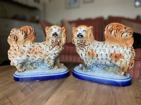 PAIR OF VINTAGE DOGS