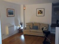 Double Bedroom ground floor flat near River Thames park and Park