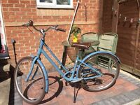 Beautiful classic women's / ladies bike - Giant Liv Flourish 1 yr old hardly used, perfect condition