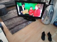 SAMSUNG 42 INCH PLASMA TV WITH FREEVIEW AND HD READY QUALITY TV.