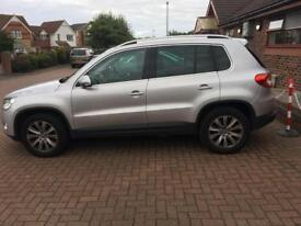 Automatic Volkswagen Tiguan 2.0 2008 low mileage