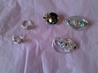 3 Brooches & 2 Rings