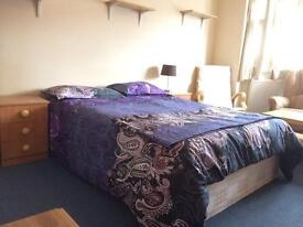 Two large size double rooms between Willesden Green and Dollis Hill available NEXT WEEK