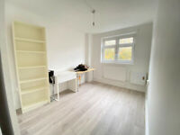 DSS with guarantor ** Nice 3/4 bed flat in Whitechapel, London, E1. Close to Station.