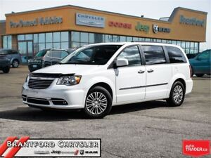 2016 Chrysler Town & Country Touring-L~Leather~dvd~Navigation~Su