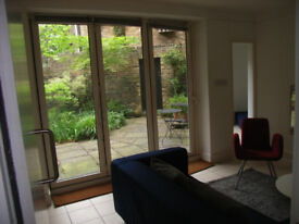 Pimlico, SW1: Fabulous 2-bed furnished flat, very large garden, 5 mins walk Victoria/Pimlico tubes