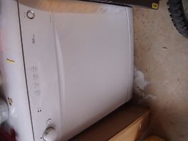Dish Washer - white - AS NEW