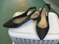 LADIES M&S SHOES - SIZE 4 - WORN ONCE ONLY - PLEASE SEE PICS