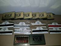Kylie jenner lipstick kits and chokers