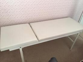 Massage table couch