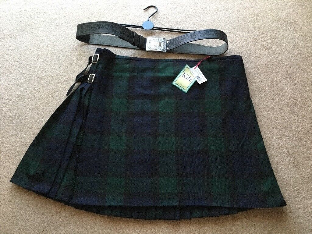 Black Watch Tartan Gents Deluxe Kilt with Accessories
