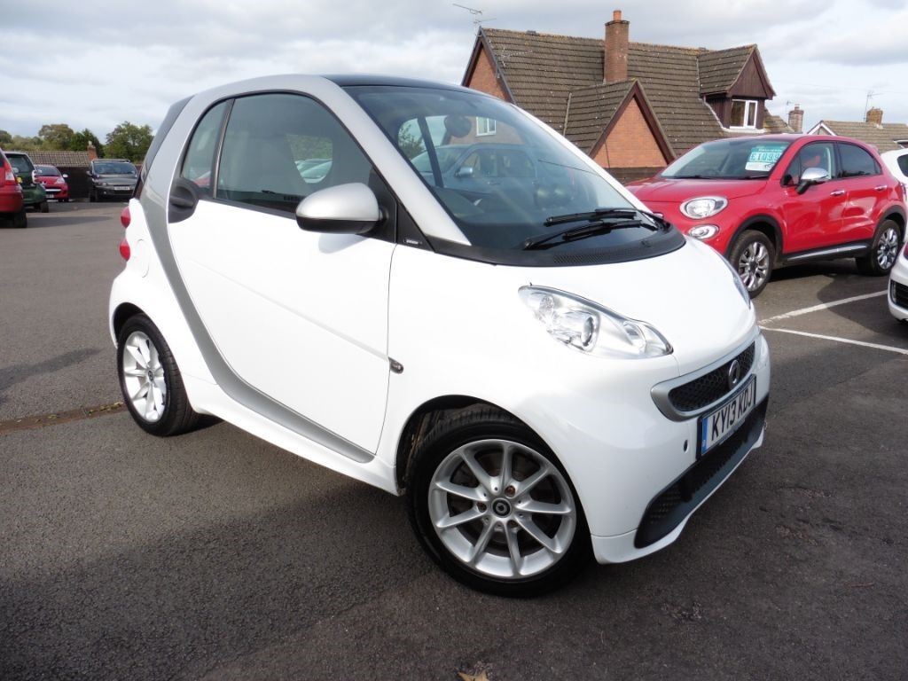 smart car fortwo coupe passion mhd white 2013 in chepstow monmouthshire gumtree. Black Bedroom Furniture Sets. Home Design Ideas