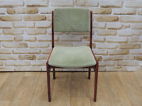 1 Green wooden chair (Delivery)