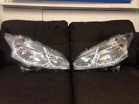 Peugeot 208 headlights 2013-3015