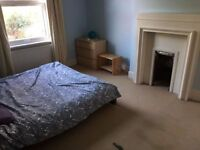 SUPER OFFER FOR SHORT-LET AMAZING LOCATION LOVELY PROPERTY WITH LIVING ROOM