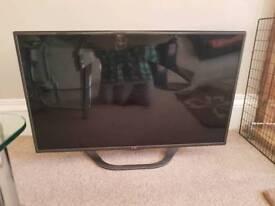LG 42INCH smart 3D TV CRACKED SCREEN